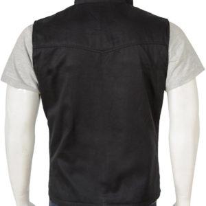 kevin-costner-black-vest