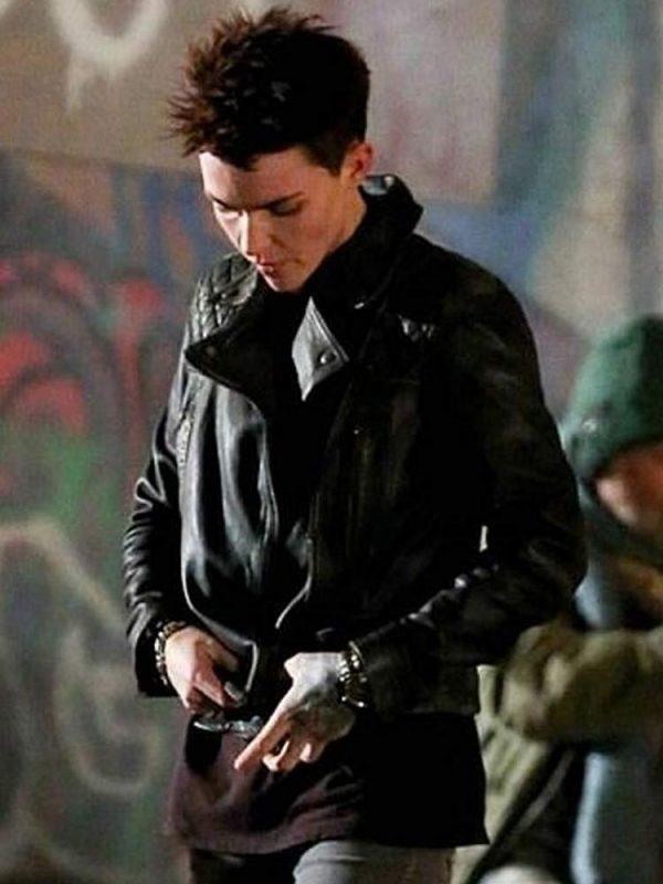 batwoman-ruby-rose-black-jacket