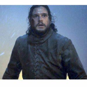 game-of-thrones-winterfell-kit-harington-coat