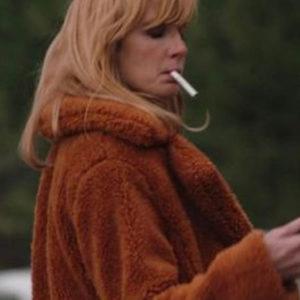 kelly-reilly-fur-coat