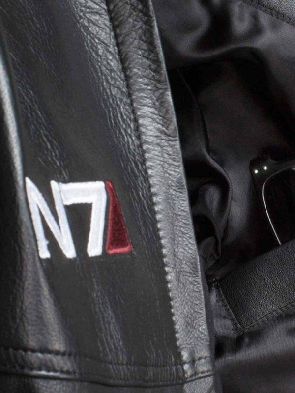 n7-mass-effect-black-leather-jacket