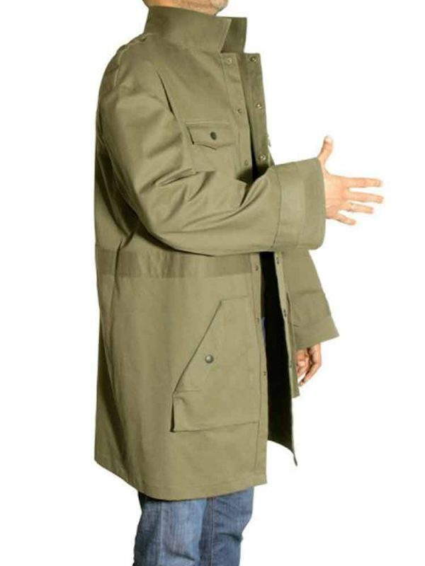spider-man-into-the-spider-jake-johnson-coat