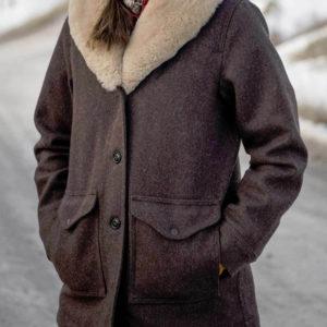 yellowstone-kelly-reilly-coat