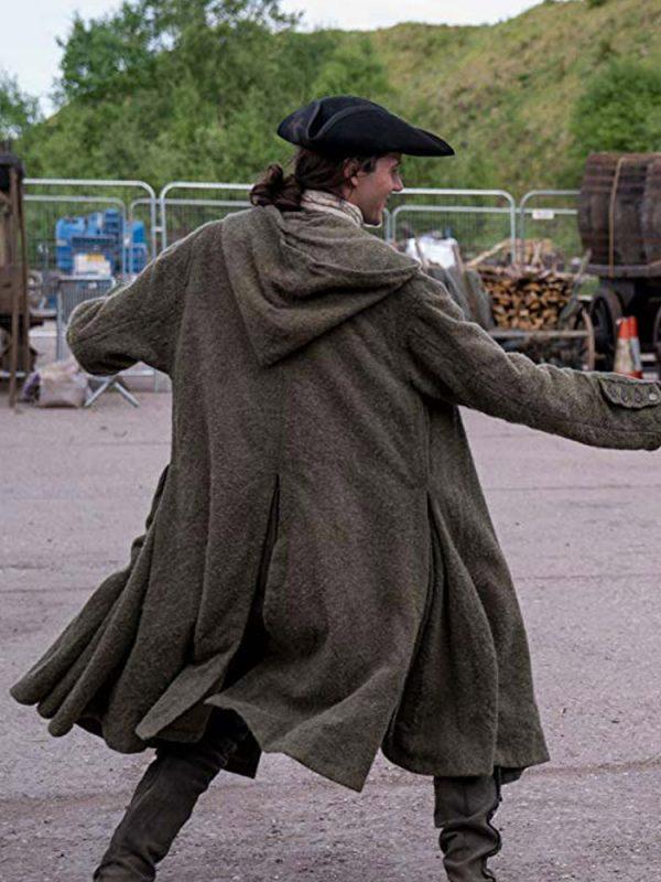 outlander-s04-green-coat
