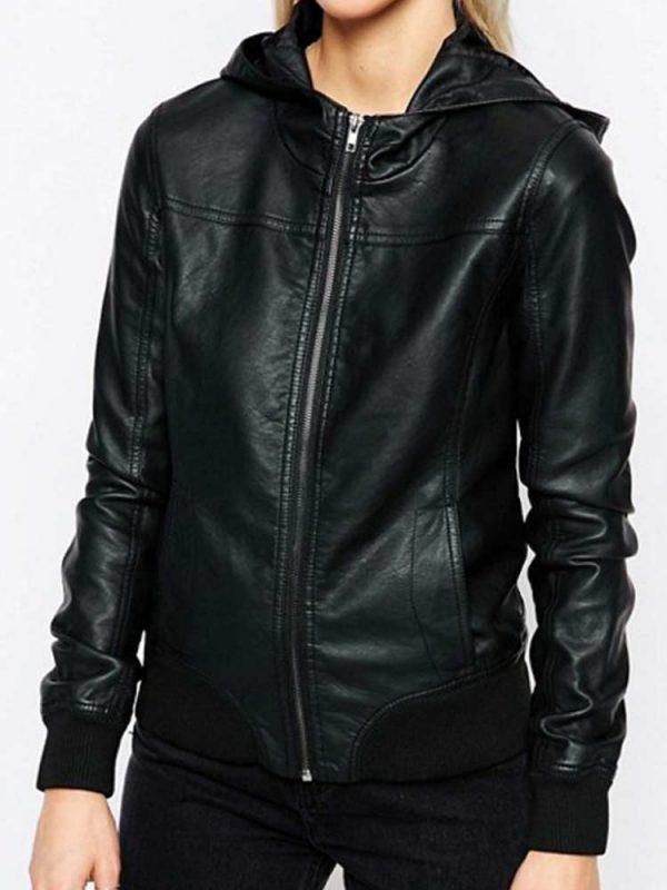 black-hoodie-womens