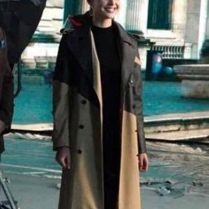 worlds-greatest-art-thief-coat